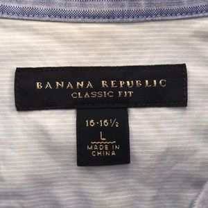 Banana Republic • Size L • Neck 16 - 16.5 • Blue